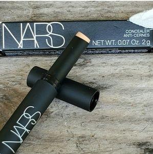 NARS Makeup - NARS Anti-Cernes Concealer in Medium